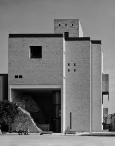 Vittorio Gregotti  torre federiciana a Menfi