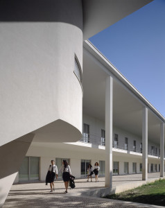 Alvaro Siza  scuola a Setubal