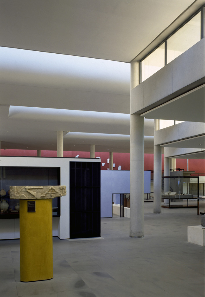 Henry Ciriani    museo di Arles