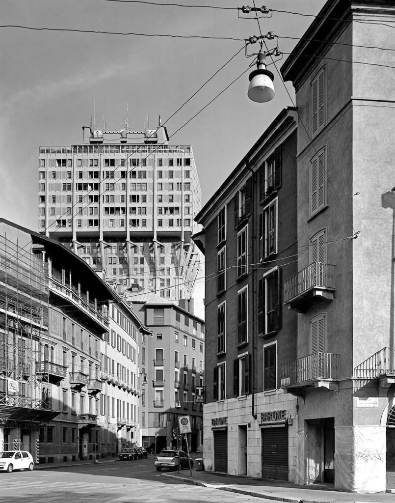 "da "" Sguardi contemporanei ""Torre velasca  Milano"