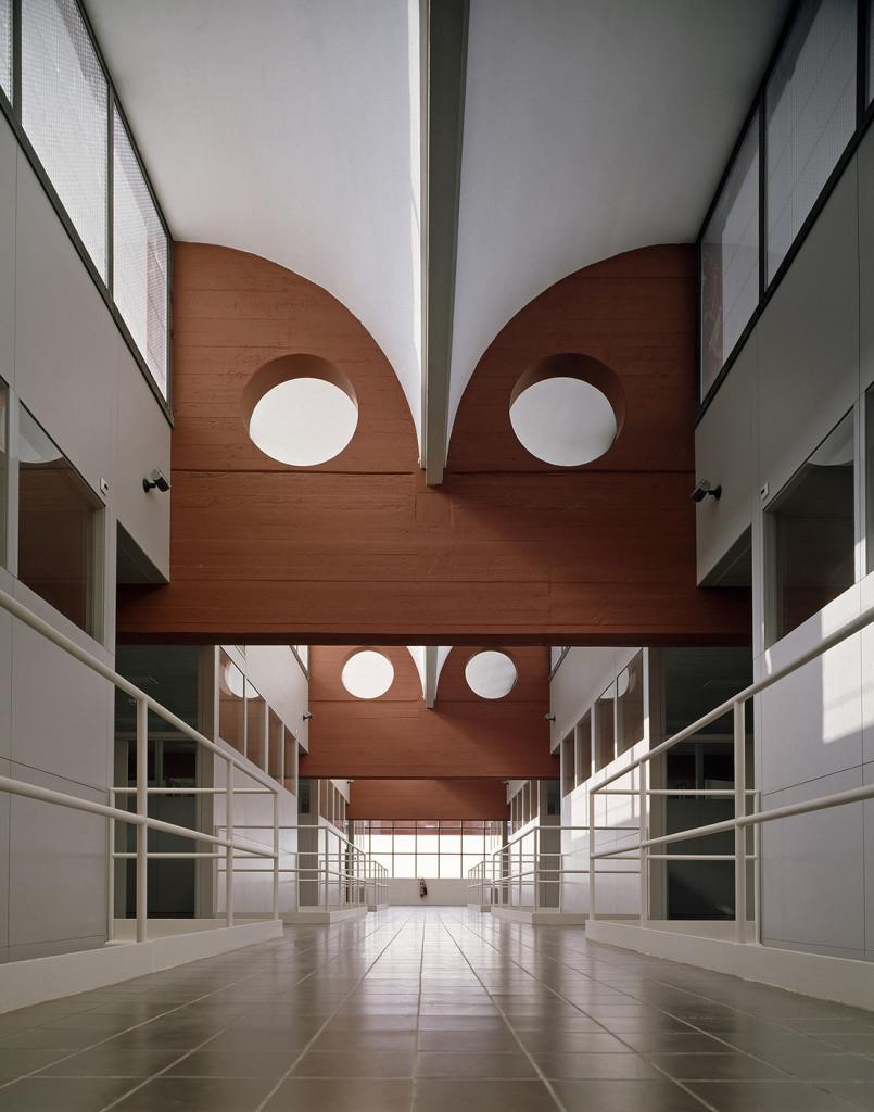 Vittorio Gregotti  edificio dell'Enea a Portici